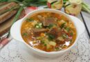 Рассольник с рисом и солеными огурцами — рецепт с мясом по-домашнему